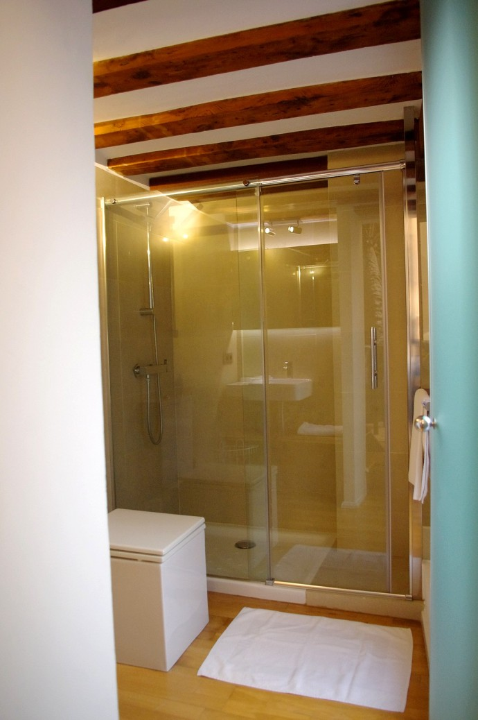 Shower Cabin 1
